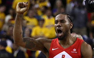 NBA球星莱昂纳德正式跳出合同 成自由球员
