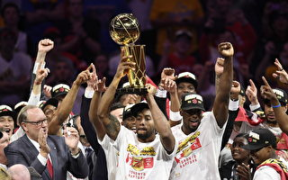 NBA猛龙击败勇士登顶 多伦多沸腾欢呼