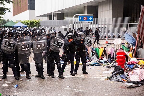 宁静:法轮功抗暴二十年 香港人如何面对中共