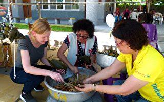 慶端午學包粽 外籍教師開心體驗