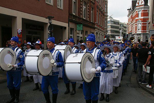 比勒菲爾德文化嘉年華,天國樂團第五度受邀演奏。(Stephan Krocker/大紀元)