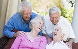 加国百岁老人近万 华妇独居至107岁成典范