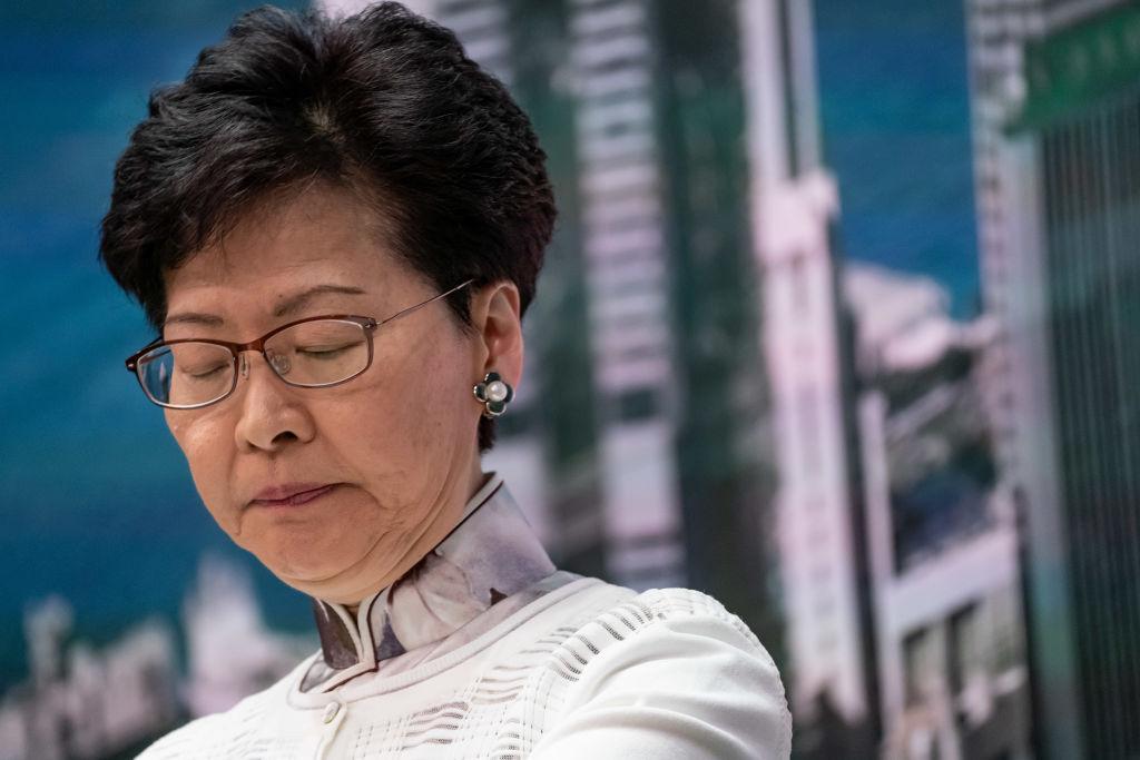 林鄭月娥將被拋棄?中共放風懷疑她的能力