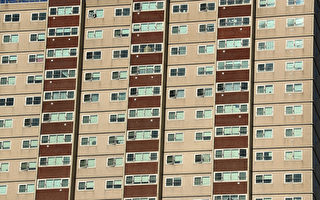 易燃建築包層:州政府出資解決 但僅限公房