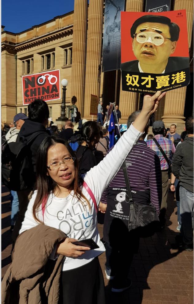 在澳洲旅遊的港人王女士到現場聲援香港反送中條例大遊行。(駱亞/大紀元)
