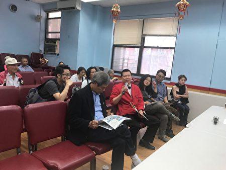 華埠合利大飯店經理表示,經營28年,第一次遇到被人以《殘疾人法》告,限於華埠舊樓結構,空間不足,無法按《殘疾人法》改進。