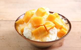 中医师提醒,吃冰消暑要注意时间和冰品种类,避免伤身。(Shutterstock)