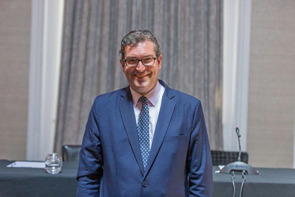 6月17日,英國保守黨人權委員會副主席、非政府組織《香港觀察》主席本·羅傑斯(Ben Rogers)也出席了法庭宣判。(冠奇/大紀元)