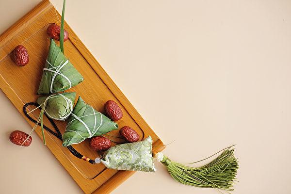 端午节佩戴香囊能起到辟疫驱虫的效果。(Shutterstock(