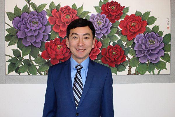 活躍社區的知名畫家陳叔善。(本人提供)