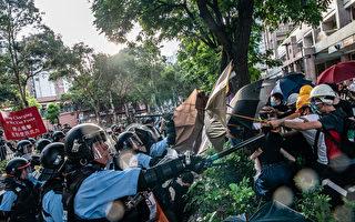 組圖:3萬港人光復上水遊行 爆警民衝突