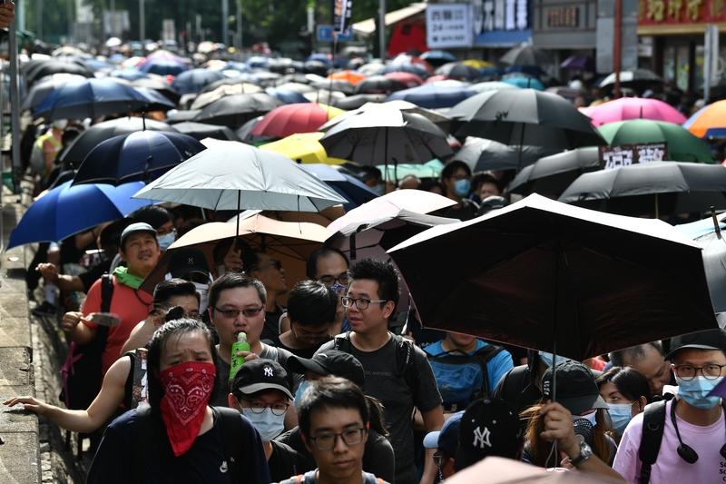 歐媒報道元朗遊行 稱中共面臨嚴重挑戰