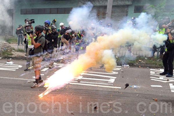 """王友群:中央政法委在香港制造""""暴乱"""""""