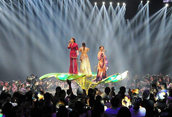 《第30屆金曲獎頒獎典禮》SHE表演