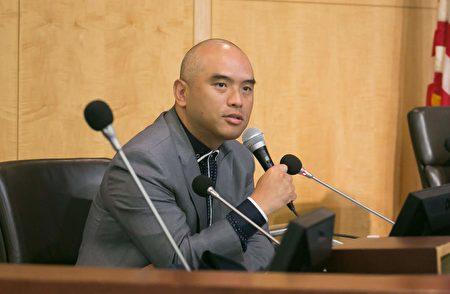 希望之聲電台資深評論員林曉旭博士認為,國際社會正在覺醒。(李莎/大紀元)