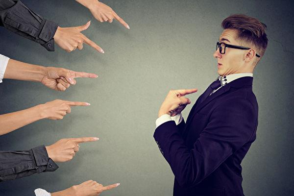 想做职场万人迷?取得信赖感更重要