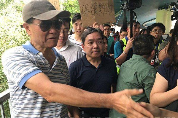 岭大校长郑国汉元朗视察 回应罢免何君尧诉求