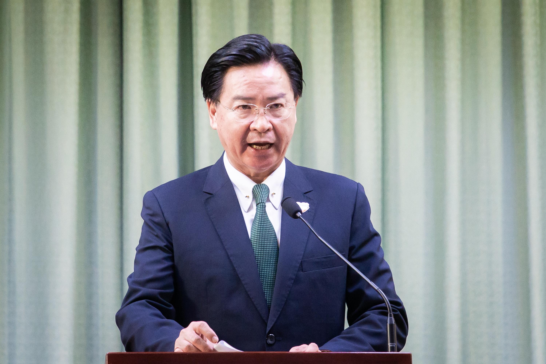 外交部長吳釗燮2日深夜發佈支持反送中運動的第五次推文,抨擊中國共產黨,呼籲全球團結合作,支持香港人爭取民主自由,全面落實自由民主制度。圖為資料照。(陳柏州/大紀元)