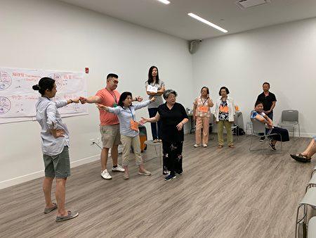 為期三天的世臺聯合基金會「生命教育計劃生活工作坊」30日在法拉盛開班,幫助改善親子關係和夫妻關係。