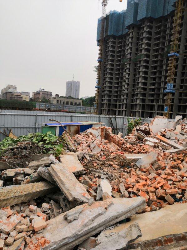 6月30日凌晨4時許,村民應翠榮家遭強拆。(受訪者提供)
