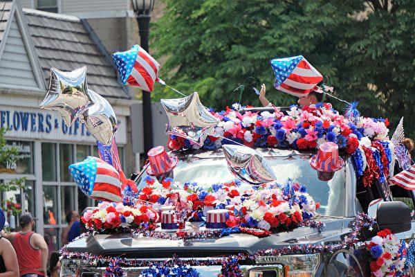 組圖:美國獨立日 芝加哥埃文斯頓舉辦遊行