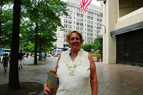 美國聯邦政府機構的IT專家Susan Douglas。(李辰/大紀元)