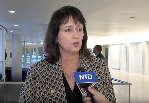 美國國際宗教自由委員會副主席納迪娜・馬恩扎(Nadine Maenza)。(新唐人電視台圖片)