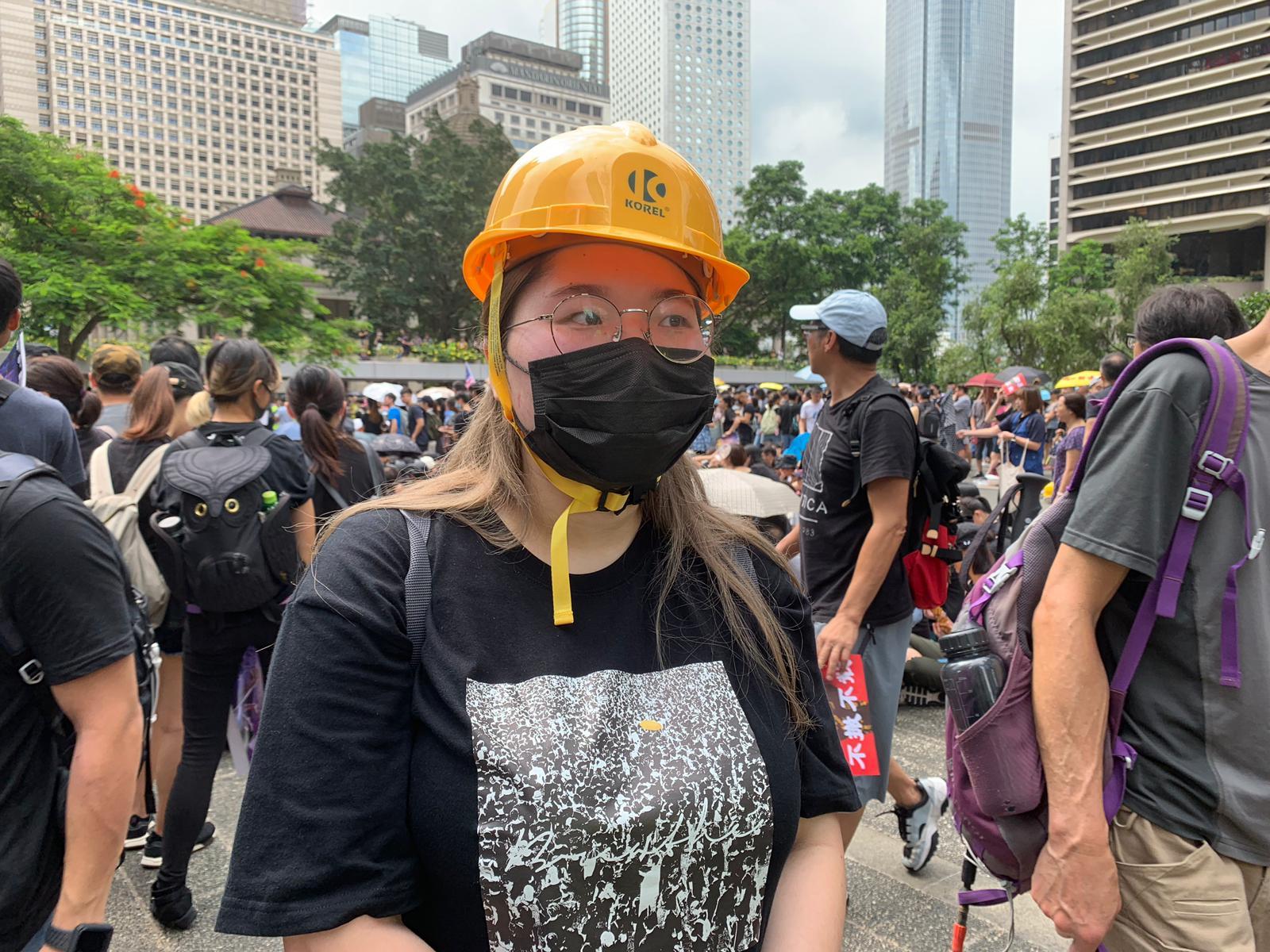 7月28日下午遮打花園反送中集會,香港學生談一路走來心路歷程。(駱亞/大紀元)