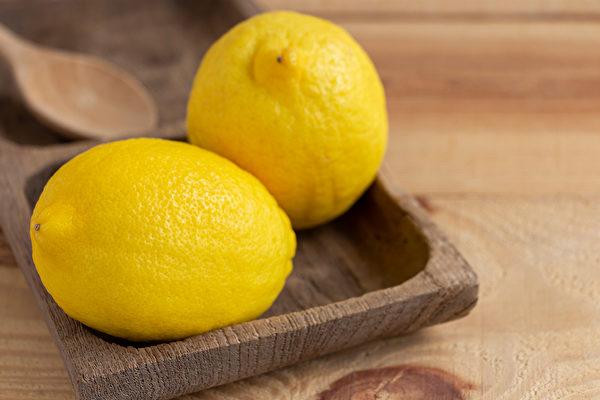 檸檬對降血壓和預防心肌梗塞有益。(Shutterstock)
