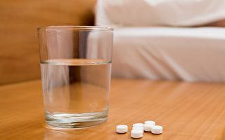 煮沸的開水是送服藥品最好的飲品。(Shutterstock)