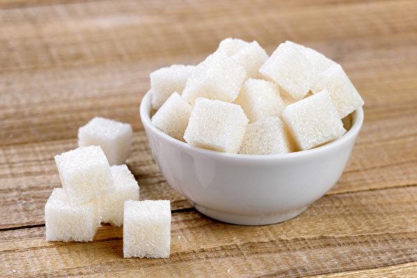 当吃甜食舒压成为习惯,可能你的大脑对糖已形成依赖。(Shutterstock)