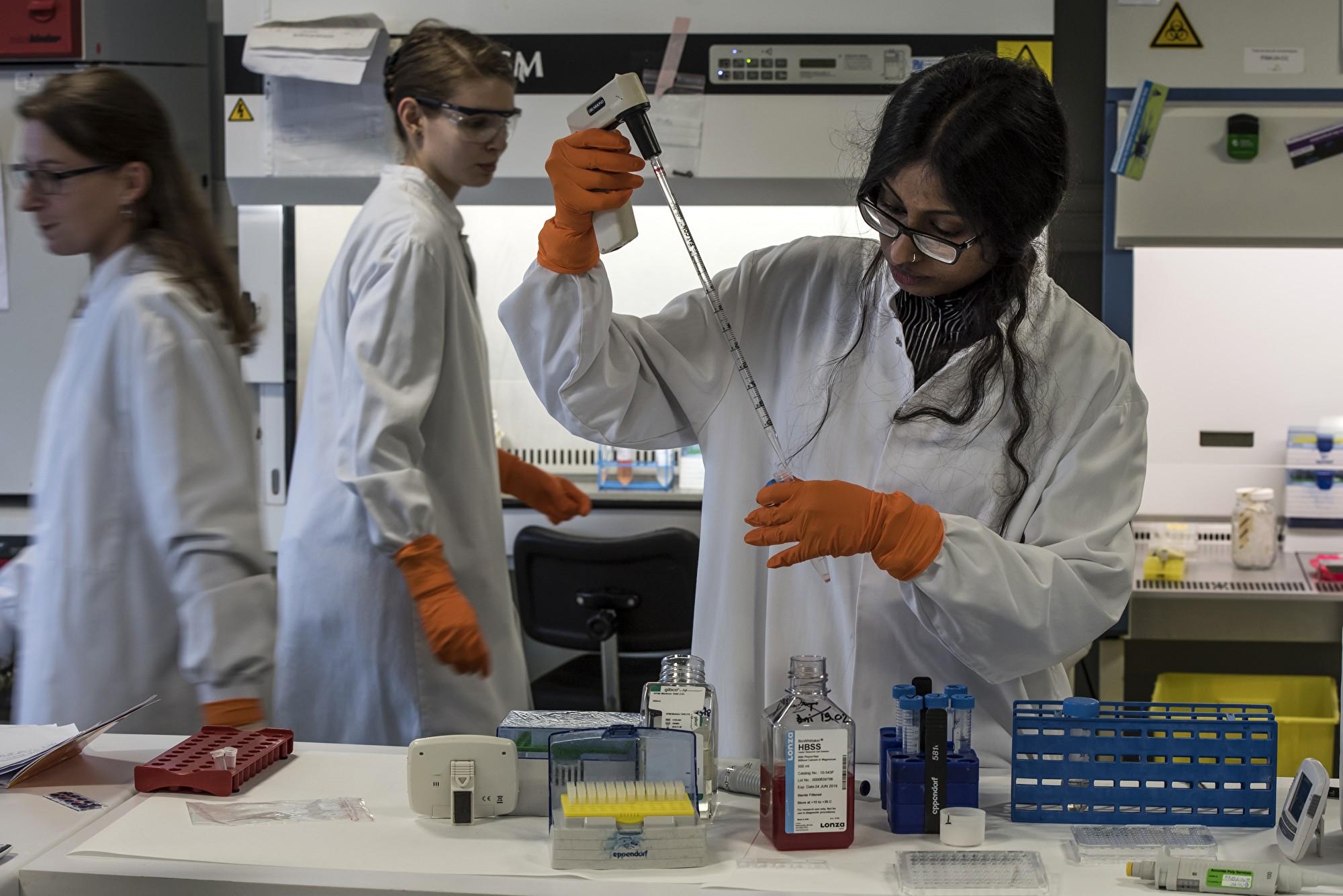 內幕:為何中共生物製藥業對美構成威脅