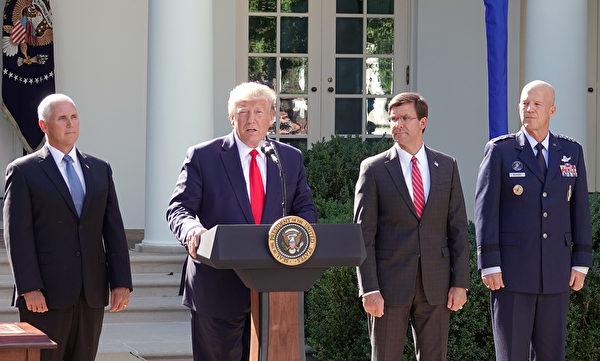 2019年8月29日,美國總統特朗普周四8月29日下午在白宮宣佈,建立太空司令部。美國副總統彭斯、國防部長埃斯珀(Mark T. Esper)和太空司令部首任司令雷蒙(John W. Raymond)參加了簽字儀式。(亦平/大紀元)