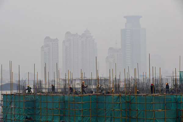 經濟數據大跌 中共引誘中國人過度消費