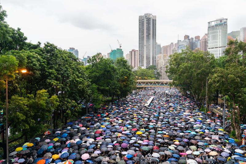 擔憂自治權被侵蝕 香港人向海外轉移資金