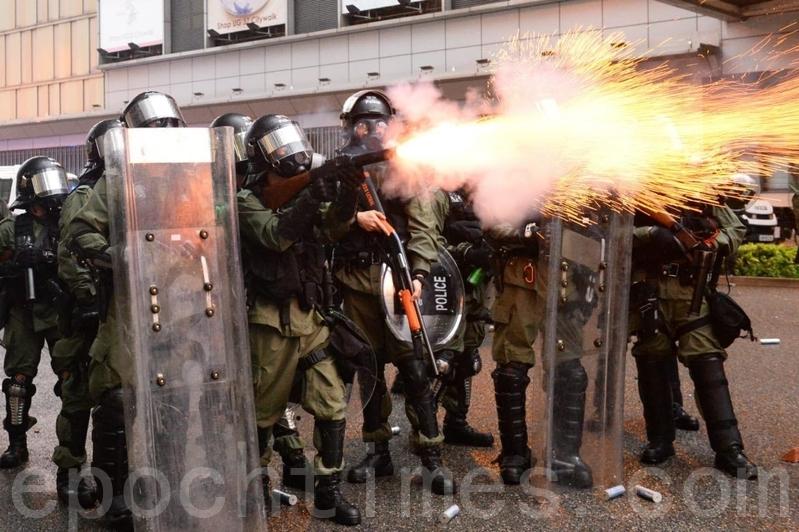 荃葵青遊行再嚗更多衝突 港警一度拔槍