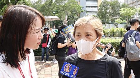 香港著名明星葉德嫻(右)接受大紀元新唐人記者黃瑞秋直播訪問。(影片截圖)