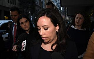 指證10萬獻金來自黃向墨 澳工黨祕書長被停職