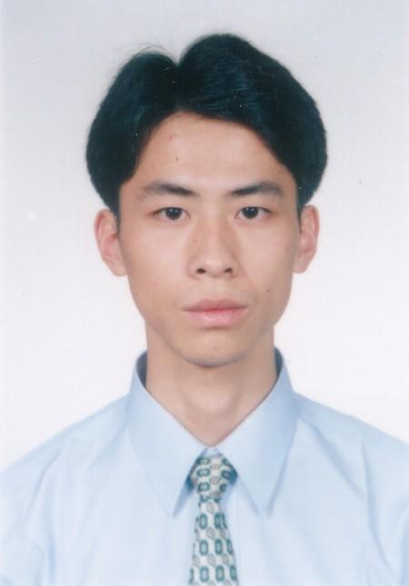 法輪功學員黃雄2003年檔案照。(大紀元)