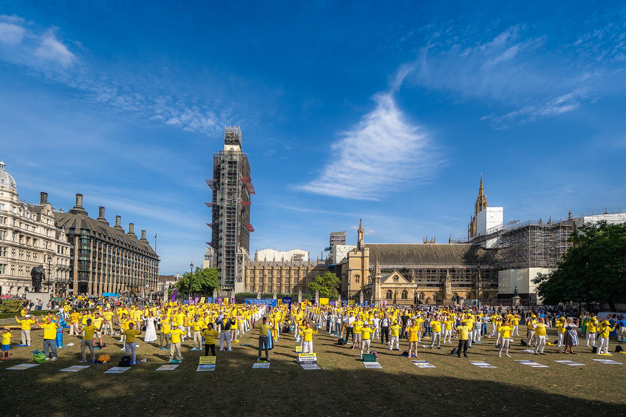 反迫害二十周年 32國法輪功學員倫敦集會