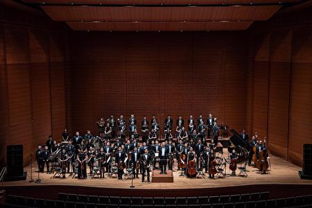 鍾啟仁老師指揮紐約幼獅青少年管弦樂團於2019年6月8日假林肯中心愛麗斯‧特莉廳演出。
