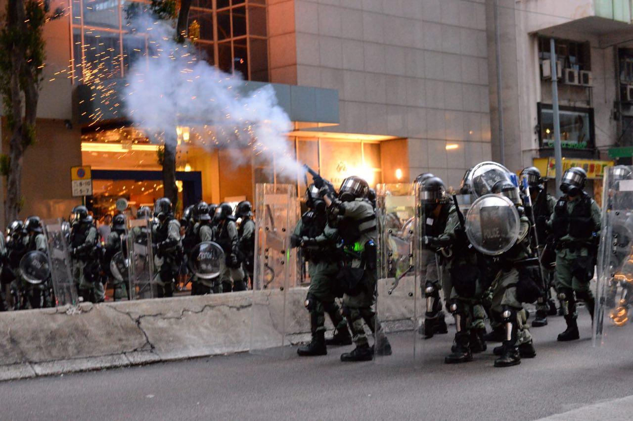 中共喉舌煽動殺警 香港民眾發集體聲明