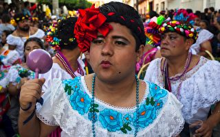 墨西哥市长未履行竞选承诺 被迫穿女装游街