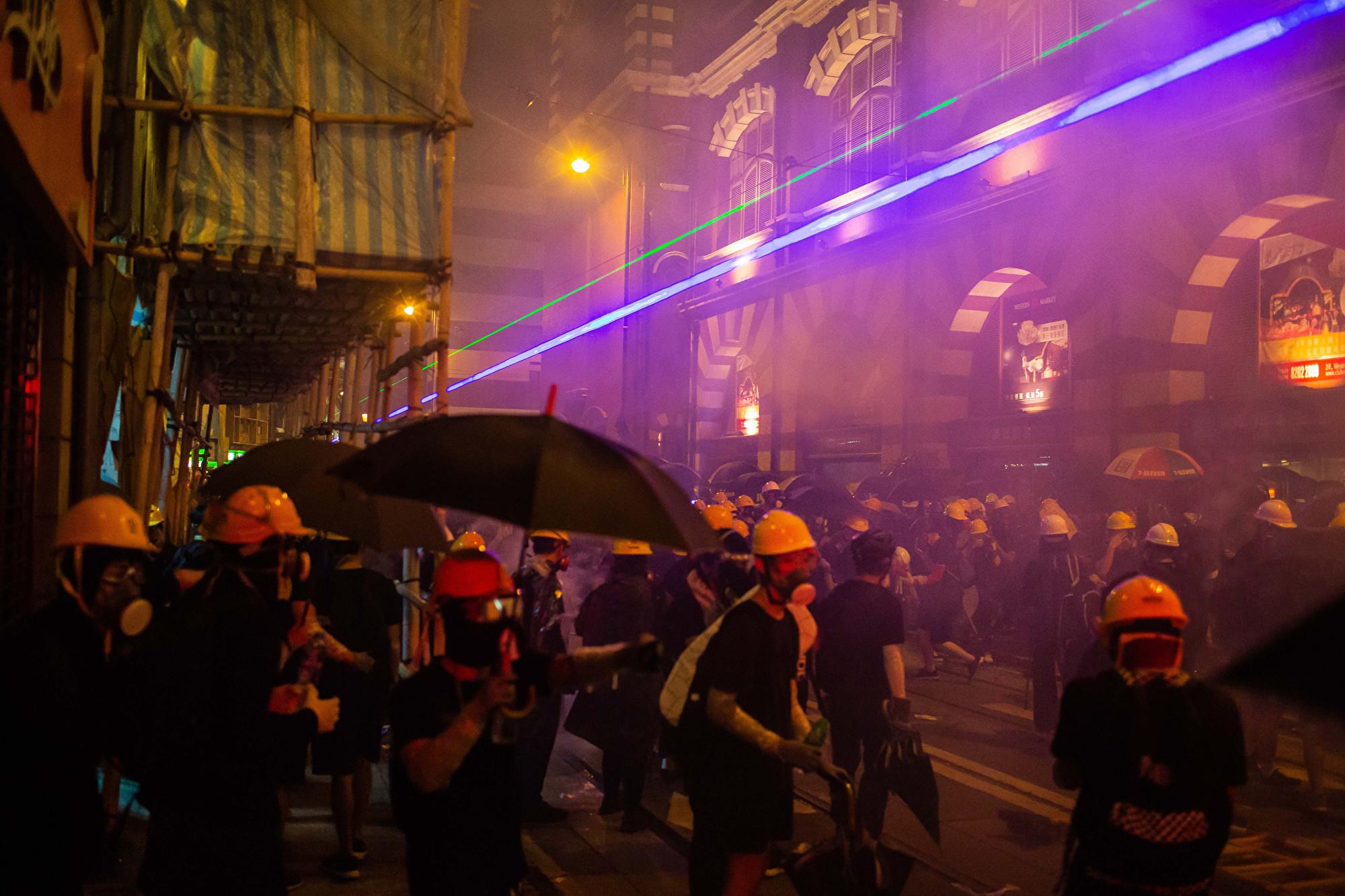 對抗中共臉部辨識系統 香港示威者有新招