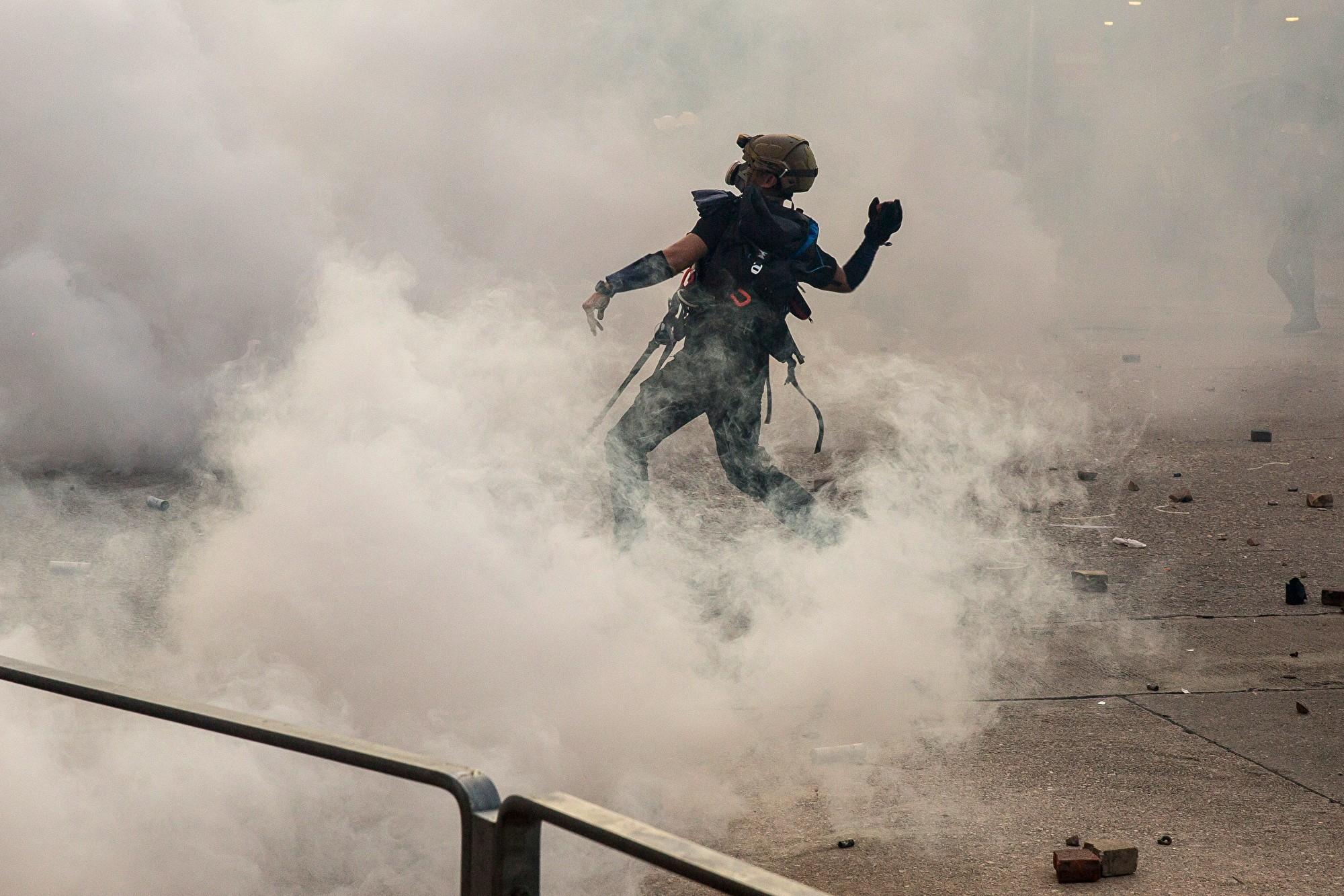 【8.5反送中】逾15萬港人七區罷工集會 警出動裝甲車