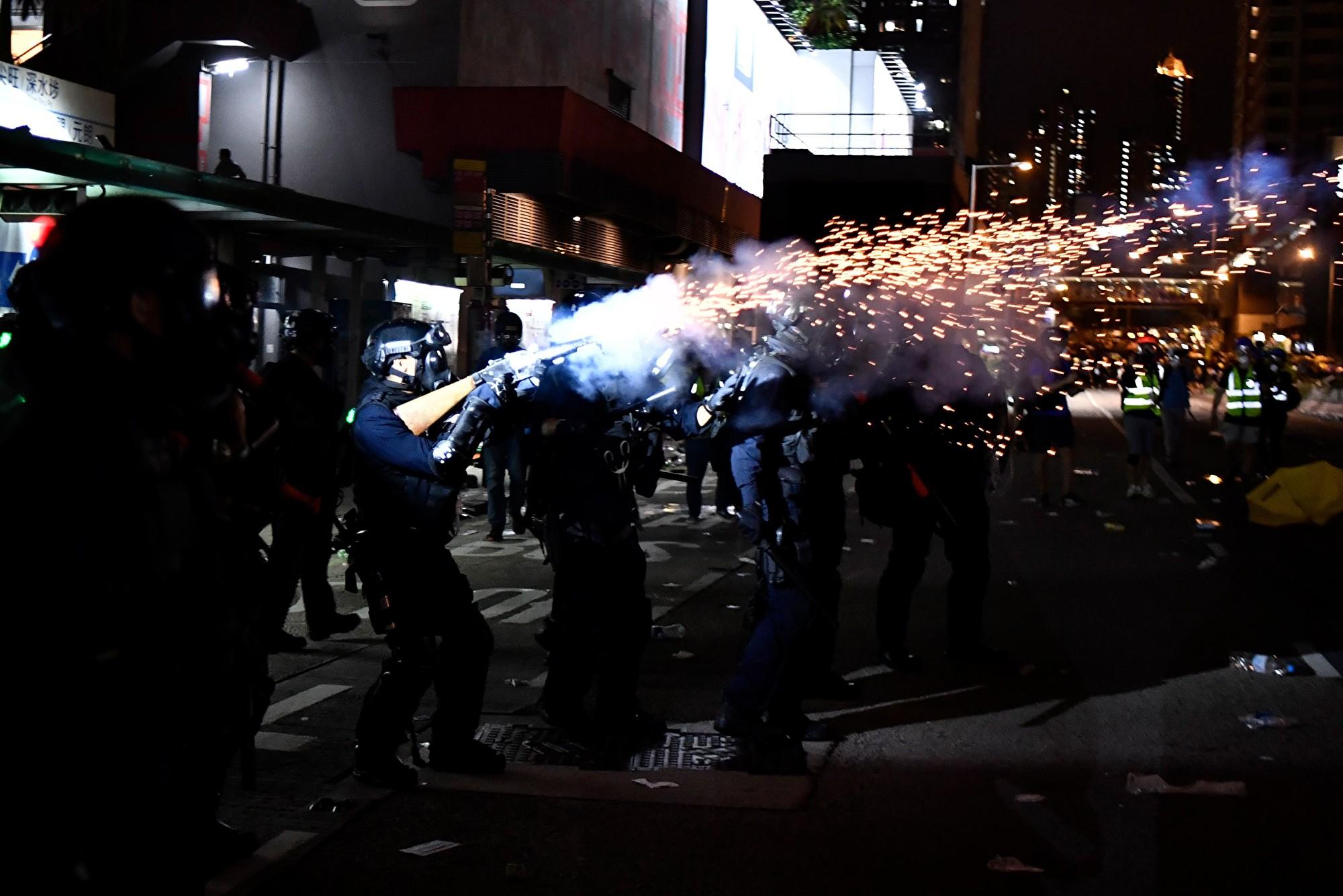 粵警接連練兵被指恫嚇香港 反被港人嗆