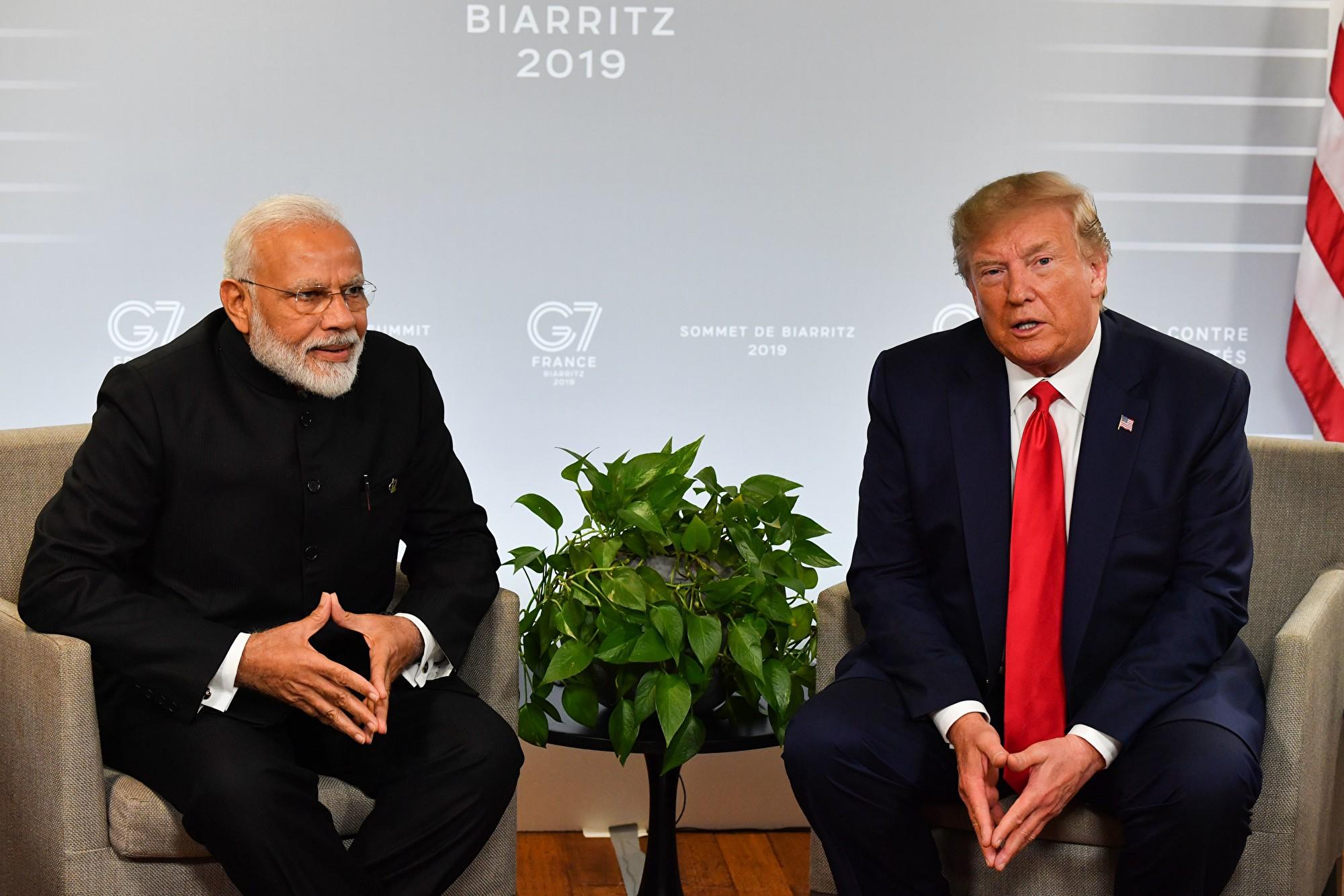 8月26日,美國總統特朗普剛結束在法國的G7峰會。在與印度總理莫迪會晤時,特朗普再次提到香港反送中抗議活動,並表示希望中方能冷靜處理香港問題。(NICHOLAS KAMM/AFP/Getty Images)