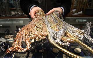光天化日下遭打劫 曼哈顿珠宝名店被洗一空