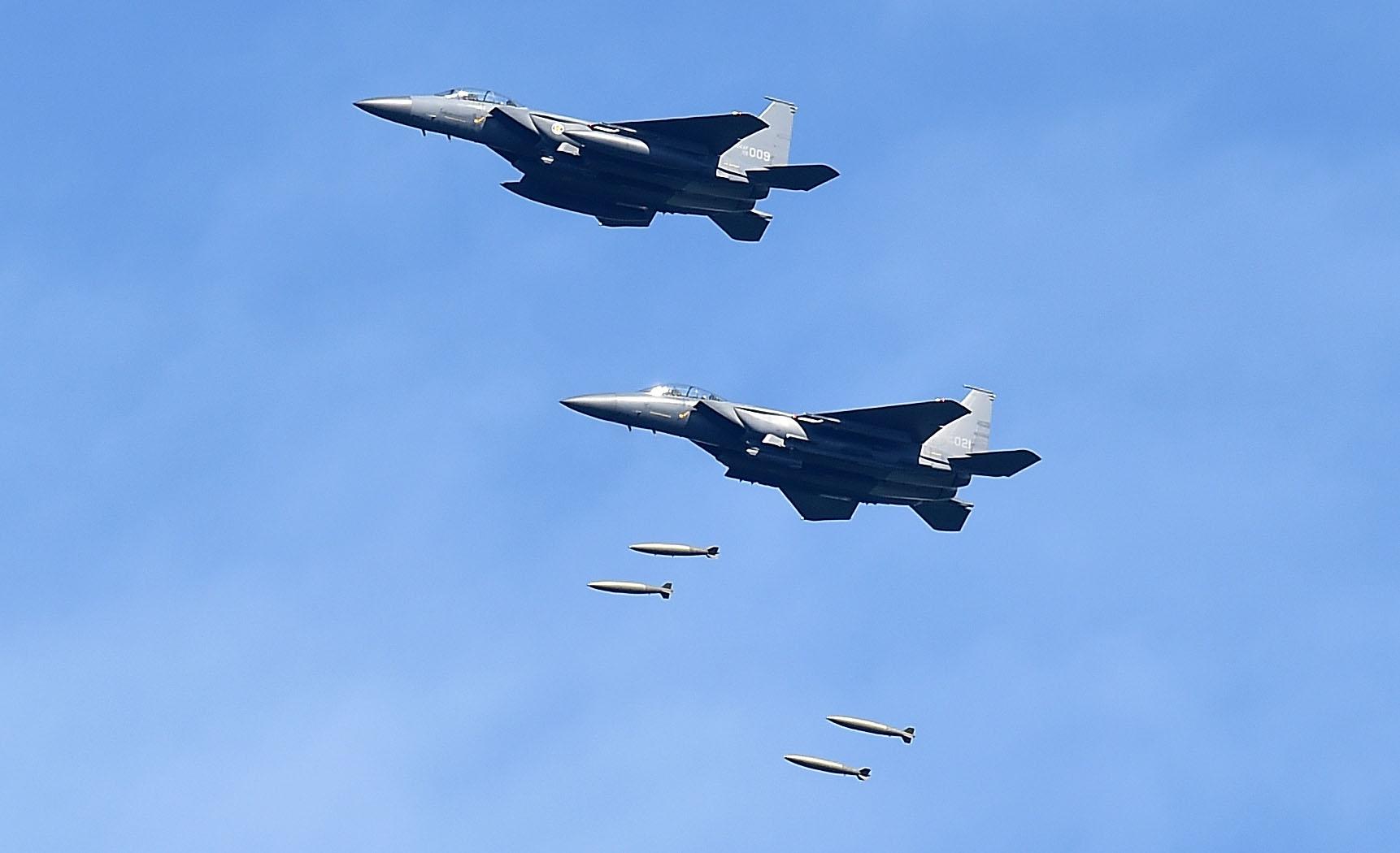 北韓實彈轟炸南韓F-15K戰機模型 挑釁升級