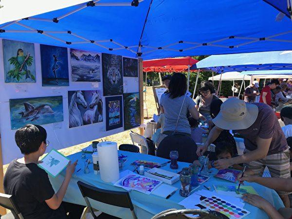圖:溫哥華台灣園遊會8月5日舉行,濃郁鄉情、政要祝賀、美食娛樂,形成一道夏日獨特風景。(邱晨/大紀元)